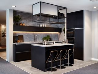 la cuisine noire la tendance de 2018 cuisines dovy livios. Black Bedroom Furniture Sets. Home Design Ideas